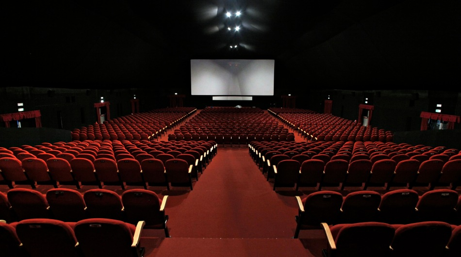 cinema gouuoioi.jpg